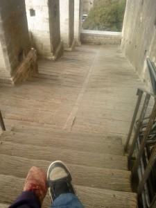 Una discesa incredibile a lato di Palazzo dei Consoli, da provare assolutamente con tacco 12.